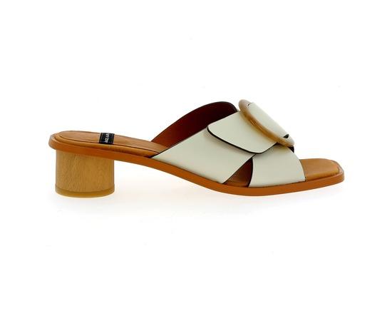 Muiltjes - slippers Angel Alarcon Wit