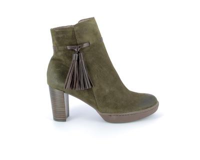 Wonder Boots