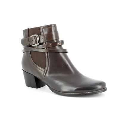 Boots Regarde Le Ciel Bruin