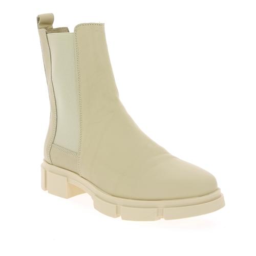 Tango Boots milk